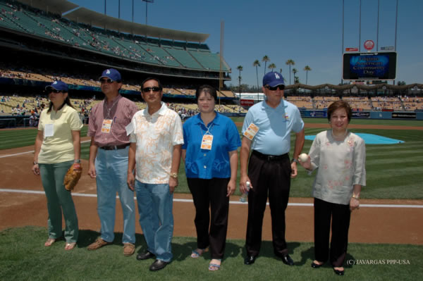 You are browsing images from the article: Consul General Aragon Makes History at the Fil-Am Day at Dodgers Stadium (Now With Photo)