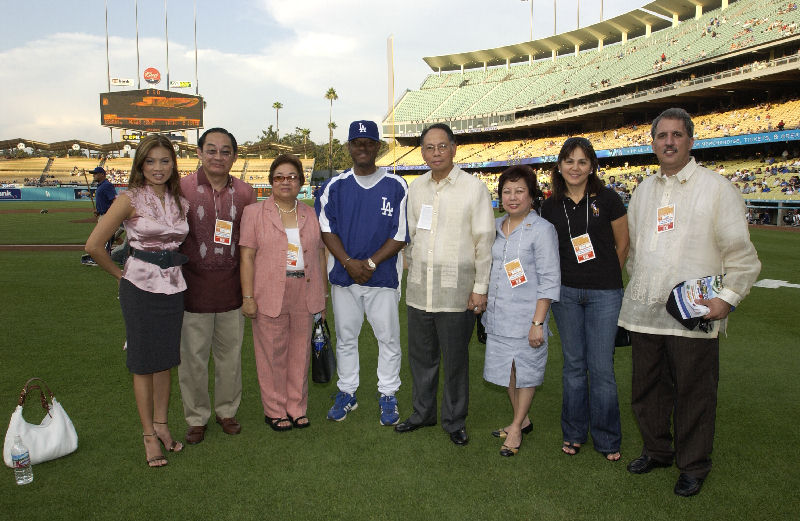 You are browsing images from the article: Dodger Stadium Photos taken during the Filipino-American Community Night held on July 24, 2006